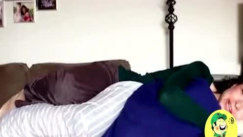 """难怪女性睡觉时喜欢""""两腿分开"""",很多人忽略了,没想到大有用处"""