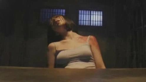 男女4人被囚禁密室,全程网络直播,却意外播出自己做的丑事!