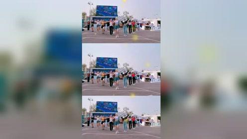 跳广场舞吗?超带感的那种。