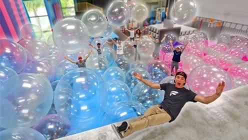 泡泡糖气球有多好玩?小哥亲自测试,网友:好想试试!