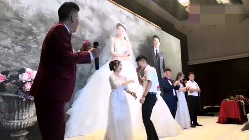 婚礼上,伴郎伴娘做游戏,接下来一幕,这一场主角属于你们!
