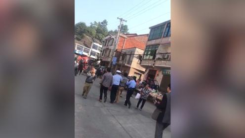 湖南湘潭发生一起重大交通事故 已致10死16伤