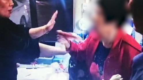 暖!外地老人将8500多元救命钱落在公交上 郑州车长接力找回