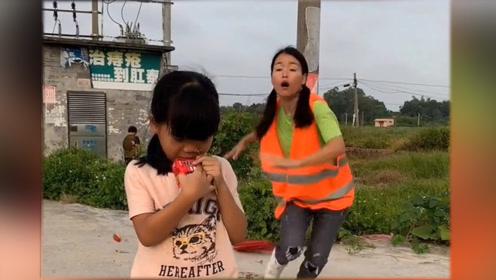 见小女孩有危险,美女挺身而出,自己却被车撞了!