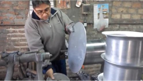 铁皮变铁桶,只用力压了几下,这就是旋压工艺!