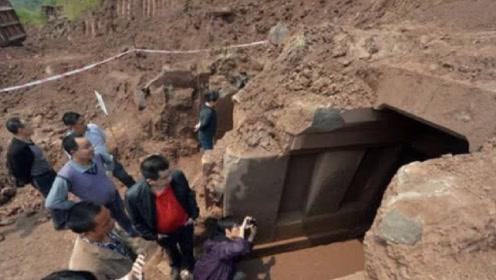 考古队发现一座宋朝古墓,刚准备挖掘,却遭一位老人阻止!