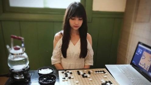 """中国围棋""""女神"""",中澳混血黑嘉嘉,颜值超高棋艺精湛"""