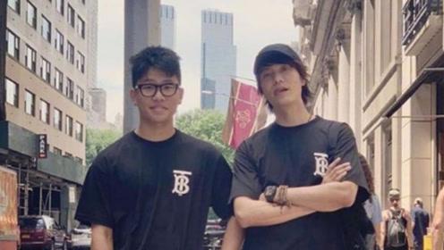 陈坤与儿子合照 二人穿亲子装 爸爸这么帅 儿子真的蛮有压力