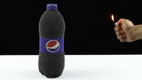 给可乐裹上火柴外衣,点燃会发生什么?网友:有点炫酷!