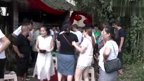 贵州一小伙迎亲,到了新娘家,拦门酒全是用碗盛,厉害了兄弟们