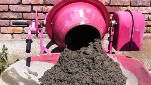 中国牛人!19岁农村小哥发明小型混凝土搅拌机,农村盖房子很实用