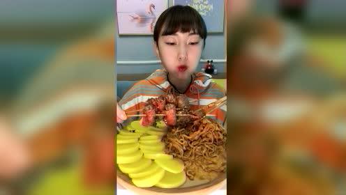 美食吃播:培根卷金针菇
