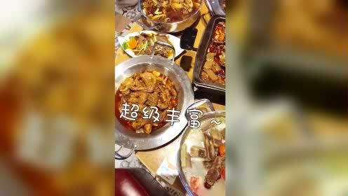 成都美食:这家的无极菌汤!花甲鱼干锅个个都在吸引着我