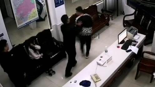 拘留!男子派出所里殴打前妻 竟对民警叫嚣:有本事把我拘留了!