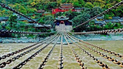 泸定桥铁索重达40多吨,究竟如何将它架起来?看完佩服古人智慧