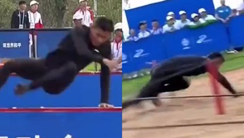 军事五项障碍跑中国军人像子弹一样快 2分09秒41破世界纪录