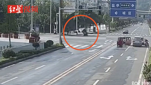 男子驾摩托挂倒执勤交警后逃逸 被拘7天