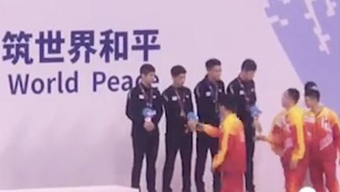 乒乓球项目首金!中国队3-1战胜朝鲜队