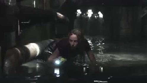 《巨鳄风暴》看这种电影,记住别喝水就对了