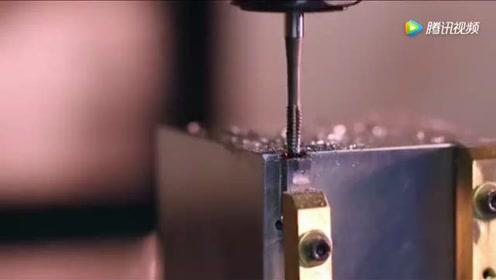 实拍百万数控机械的加工过程,最佩服的还是那把铣刀