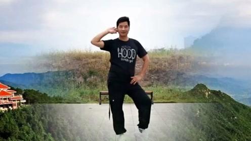 凤凰六哥广场舞《野花香》原创动感健身舞