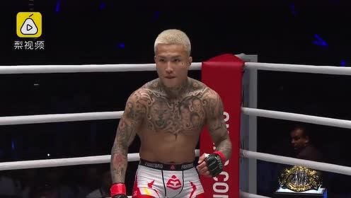 搏击热!感受中国选手10秒KO对手震撼画面