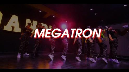重庆龙酷街舞青年Urban班舞蹈展示MEGATRON