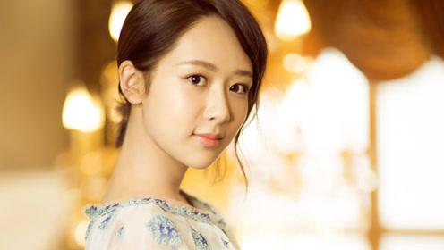 杨紫母亲年轻时照片首曝光,看到真容后,网友:难怪杨紫这么美!