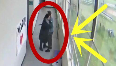 高中生持枪进校园,只因美女老师温情一抱,救了全班学生!