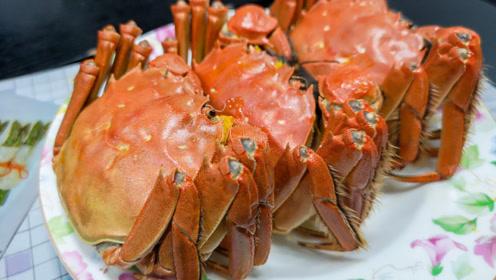 大闸蟹别蒸着吃了,教你新做法,不放一滴水,蟹肉鲜嫩又美味,香