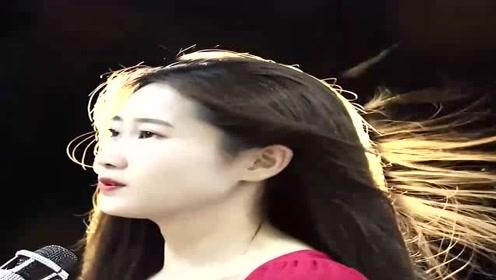 性感女歌手一首经典粤语歌,歌声优美动人,超级好听!