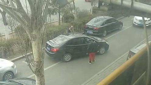 真觉得她不适合开车 为什么一定要侧方停车