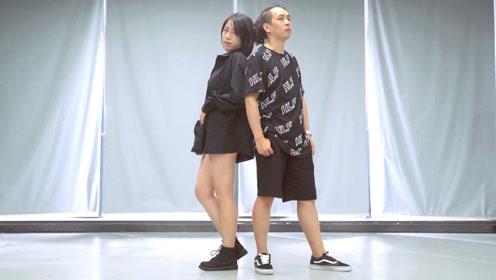 超赞!短发妹纸和长发小哥哥跳《分开旅行》,默契的合作让整支舞看起来更加美妙