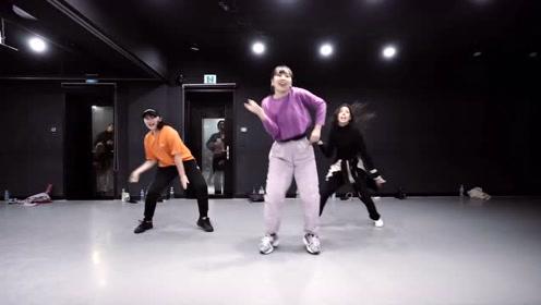 「热舞风暴」查理普创作的舞蹈