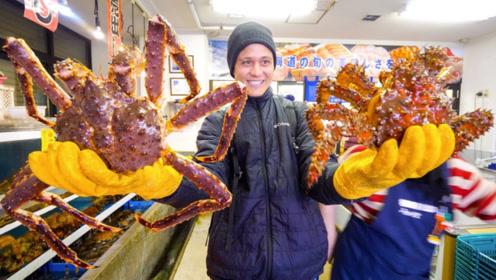 小伙花费2万吃螃蟹,140斤独自吃完,结果没亏本还倒赚钱!