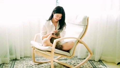 香港歌坛黄金时代的歌曲《徐小凤 - 婚纱背后》