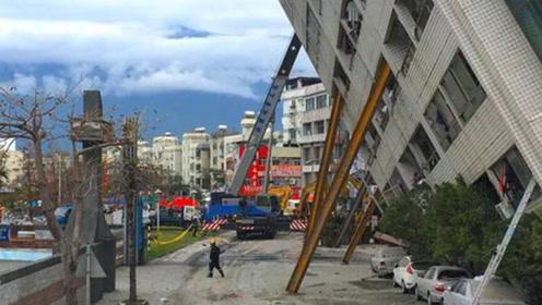 如果市区发生6级地震,大楼的哪层相对安全,我们应该怎么自救?