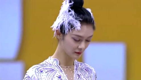 傅菁快改行吧!穿艺术体操的服装惊艳全场,她的腿更是美到不真实