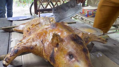"""越南乡下大户""""烤乳猪"""",一刀下去脆脆香,看得直咽口水!"""
