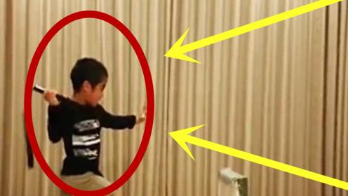 新版小李小龙,小男孩模仿学习李小龙,几年后酷似李小龙,网友:都震惊了!