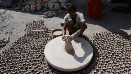 """不愧是""""开挂""""的民族,见识下印度人造碗,这手法够清新脱俗"""