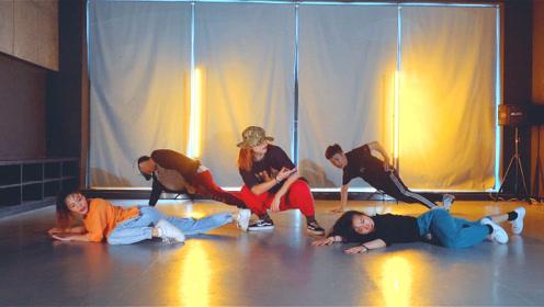 Swag走一波!这一定是这条Gai最亮的舞蹈,这节奏感真是太绝了
