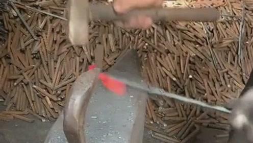 民间传统的制作工艺,不要磨具一样10秒完成,这师傅的手艺绝对高级!
