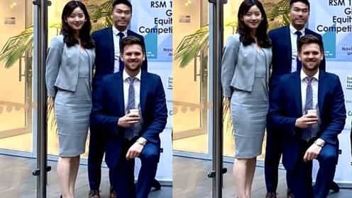 章泽天近照曝光与剑桥同学参加比赛,身穿职业套装略显成熟