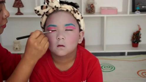 小胖哥挑战怪兽妆容,上色后,看着搞怪又可爱!