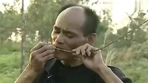 """广东惊现""""吃草""""怪人,每天把草当饭吃,网友:""""牛魔王""""转世!"""