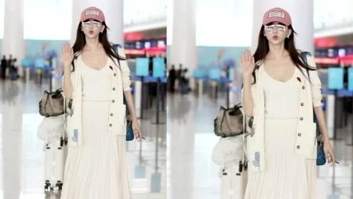 林志玲现身机场大秀身材,腰腹圆润引关注,网友调侃称:怀孕了?
