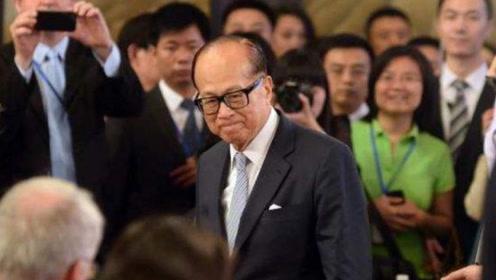 """他曾""""操纵""""香港,如今却痛失1400亿,带着万亿撤出中国!"""