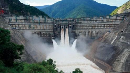 印度眼红我国三峡大坝,豪掷40亿修建,开闸三秒就闹出了笑话!