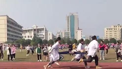 湖南一医学院学生抬担架跑接力赛走红,参赛者:要考虑病人的感受